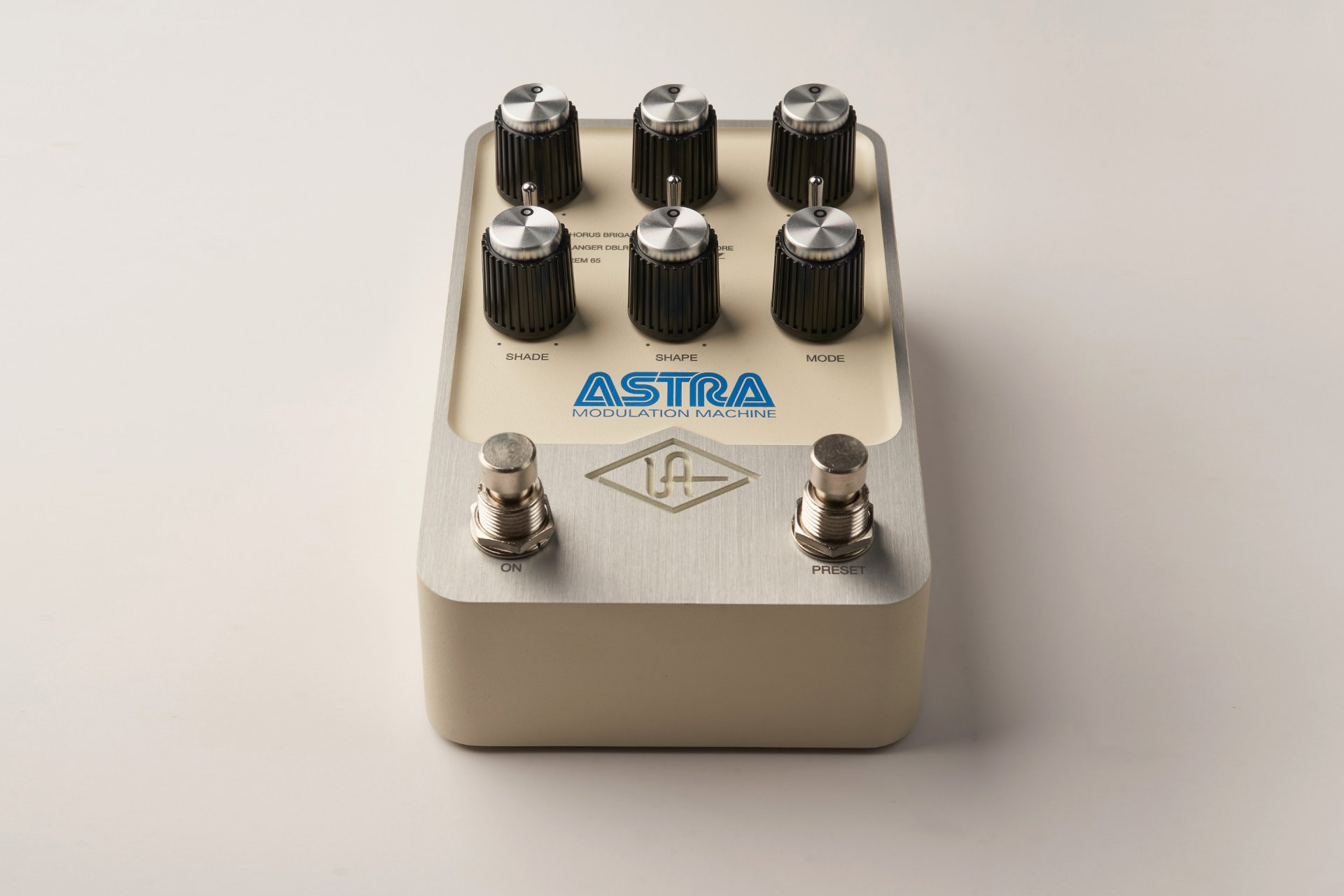 UNIVERSAL AUDIO GPM-ASTRA UAFX ASTRA MODULATION MACHINE STEREO EFFECTS PEDAL